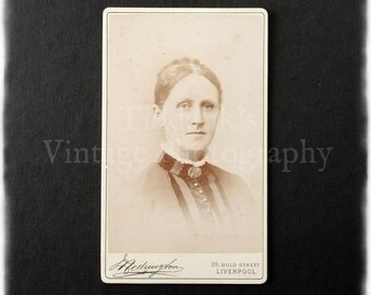 Carte de Visite CDV Photograph of a Portrait of a Young Woman - Hedington of Liverpool
