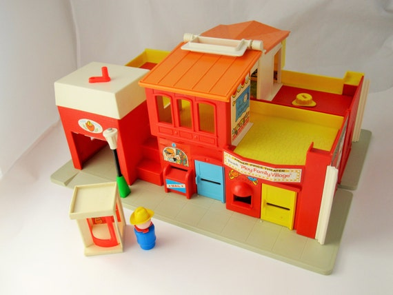 Vintage Fisher Price 39 Family Village 39 No 997