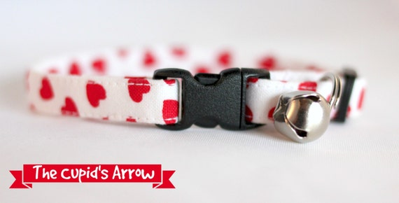 Cupid's Arrow valentine heart Cat Collar