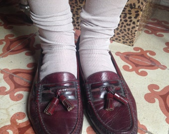 Vintage Martinelli loafers with tassels in burgundy sz 39
