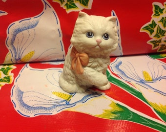 Vintage ceramic handpainted cat figurine- Homco, Japan
