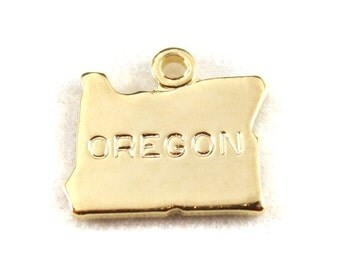 2x Gold Plated Engraved Oregon State Charms - M114-OR