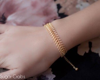 Vintage chain bracelet. 24k gold filled. French jewelry made in Paris. Retro style. Handmade. Wedding party.