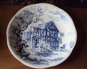 Decorative plate porcelain Gien found in France in the 1960-70s.