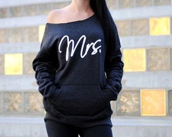 Mrs. Off Shoulder Shirt. Mrs Gym Sweatshirt. Off Shoulder Sweatshirt. Wife Sweatshirt. Eco Fleece Mrs. Mrs. Sweatshirt. Kangaroo Pouch.