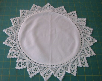 Round lace edged doily in ivory - Gift Under 20 - Wedding Decor