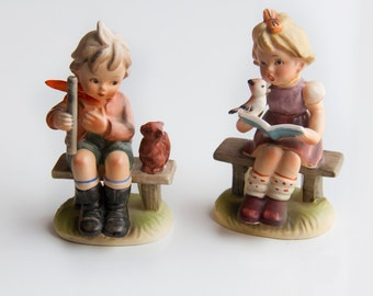 Vintage Giftcraft Figurines, Set of Mid century figurines, Boy and Girl Figurines, Made in Japan