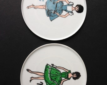 Vintage Barbie and Midge Plates, Toy Plates