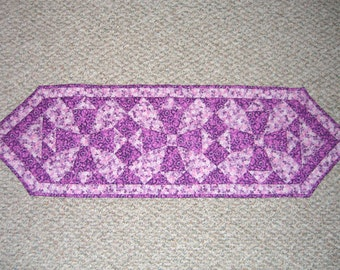 Lilac quilted table runner