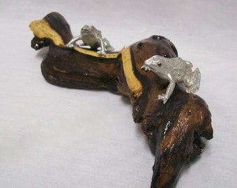 Aquatic Scenery- Frogs On A Log Sculpture