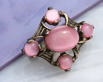 Wonderfully Classic Vintage Miracle Pink Moonstone Brooch