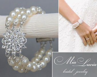Ivory Pearl Bracelet, Bridal Bracelet, Wedding Pearl Jewelry, Pearl Wedding Jewelry, Bridal Jewelry, Elegant Bracelet, art b15