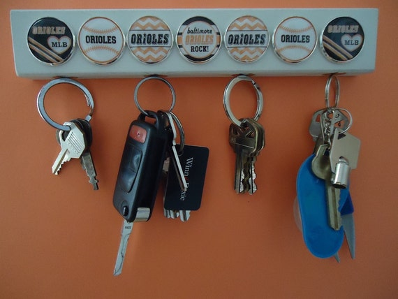 Inspired Mlb Key Chain Holder Wooden Magnetic Wall Hanger Key