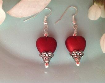 Valentine earrings, Valentines jewelry, heart earrings, red earrings, heart jewelry, Valentine gift, beaded earrings, handcrafted jewelry