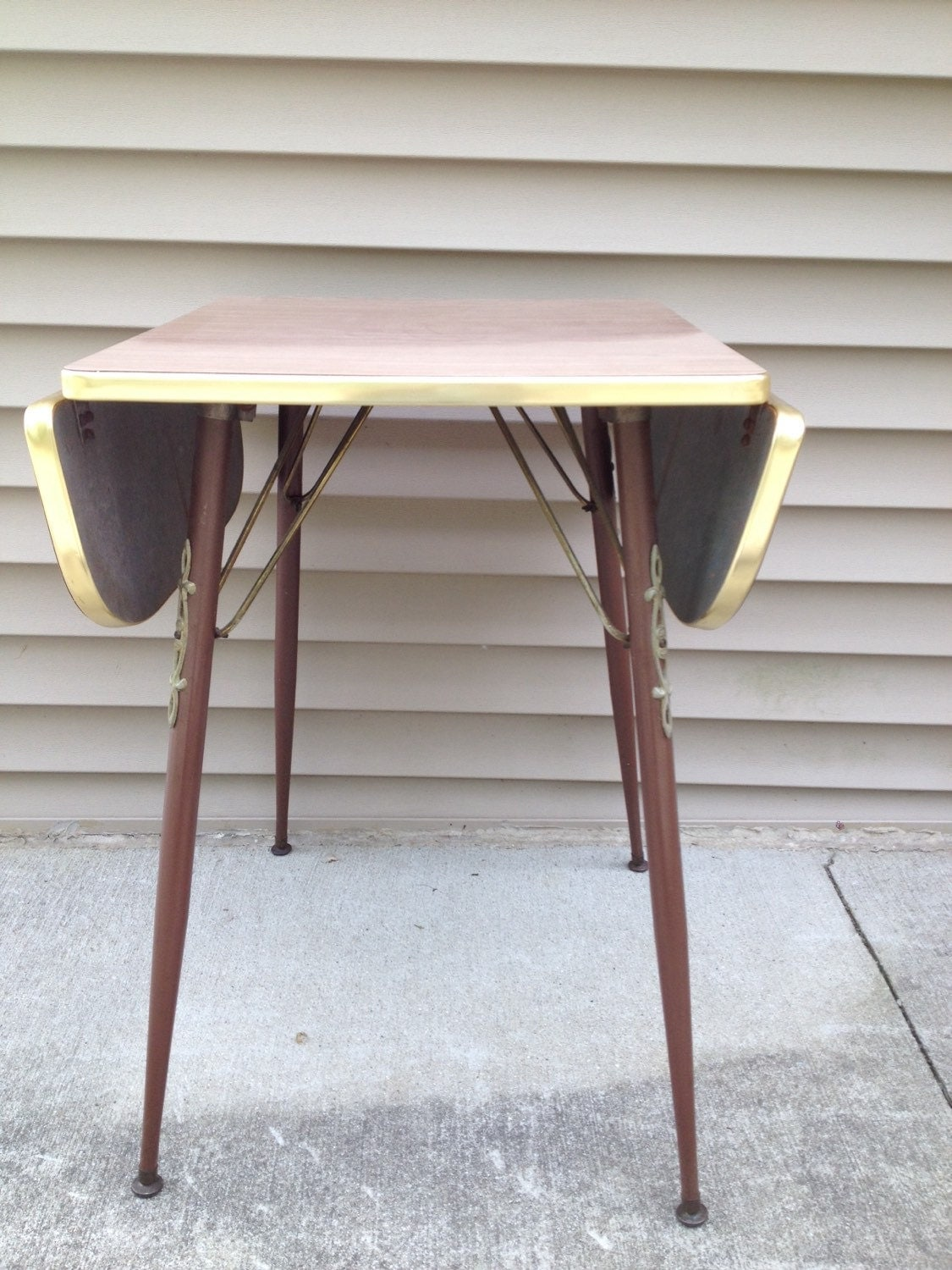 Small vintage drop leaf dining table for Small dining table with leaf