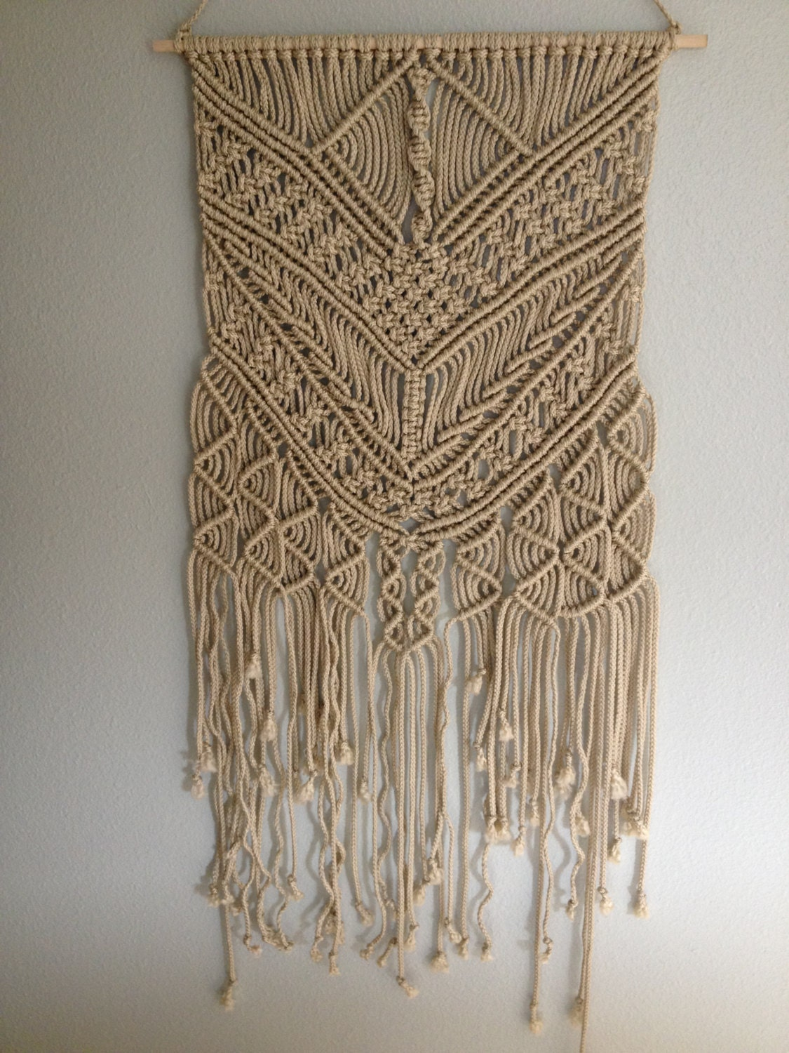 Macrame wall hanging macrame home decor for How to make decorative wall hangings at home
