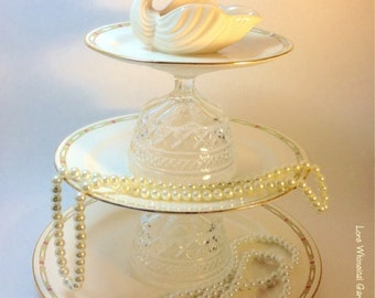 Jewelry Stand with Swan, Jewelry Pedestal Soap Holder or Potpourri Holder Vanity Accessory
