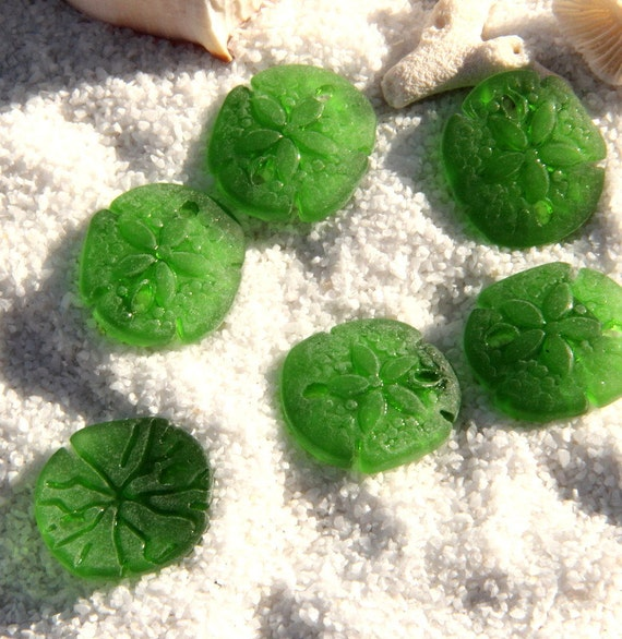 2pcs. (21x19mm) ~SHAMROCK GREEN Cultured  Beach Glass, Sea Glass  Small Sand Dollars