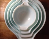 Set of Pyrex Amish Butterprint Mixing Bowls