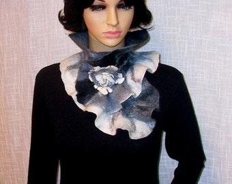 Felted scarf.Women.Felt.Hand made.