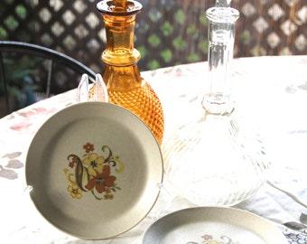 """Johnson of Australia """"Floral design Bread plate"""