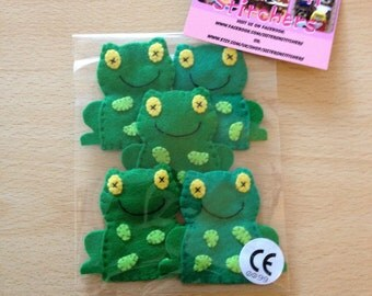 5 little speckled frogs finger puppet set