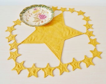 Starry Night quilted centerpiece PDF sewing pattern - easy Christmas sewing pattern - star pattern - instant download sewing pattern