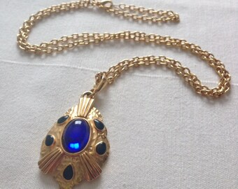 Witch's Medallian necklace