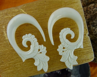 Bone Hanging 0g Stretch Earrings - Blooming Lotus Bone 8mm 0 gauge Earring - Tribal Bone 8mm Stretch Earrings C038