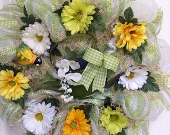 Spring Wreath with Watering Can Daisies and Bumble Bee Deco Mesh Wreath