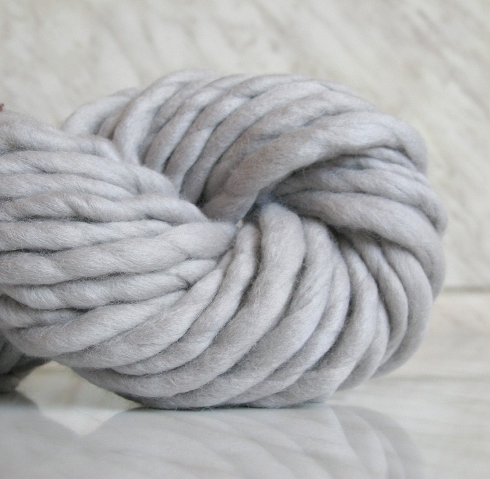 Super chunky yarn extra bulky yarn ATLAS light gray by Manonspun
