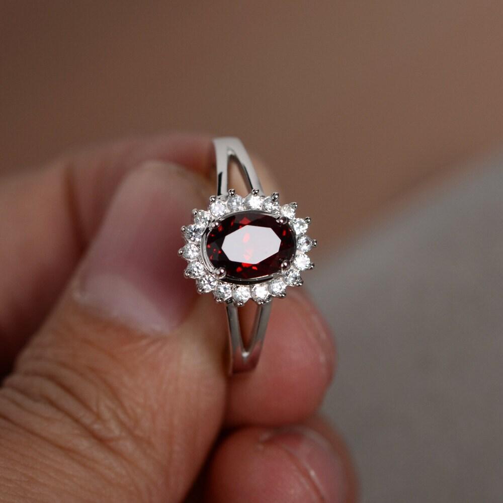 natural red garnet ring january birthstone ring sterling. Black Bedroom Furniture Sets. Home Design Ideas