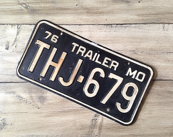 Vintage Missouri License Plate 1976 Trailer | Blue Rusty | Man Cave Decor | Old Collectible | For Him | Garage