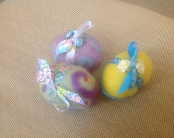 Set of 3 needle felted embellished wool Easter eggs