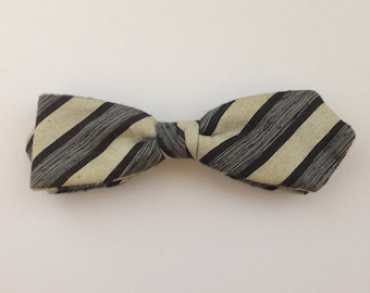 Ormand bow tie 1950's clip on in original box