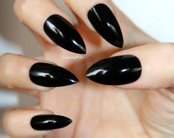 Black glossy stiletto press on nails!