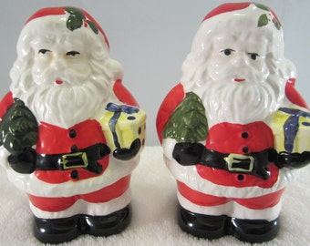Vintage Santa Claus Salt & Pepper Shakers - Set is new and still in it's original box. Chistmas Village Collection made in Taiwan cira 1980.