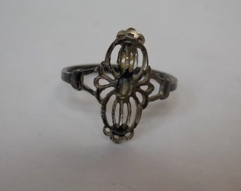 Victorian Style Sterling Silver Filigree Ring 1.66g E1535