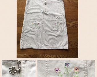 Vintage Overall Jumper Dress Embroidered Flowers