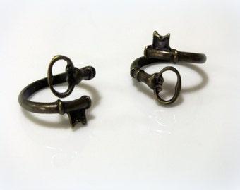 Adjustable skeleton key bronze ring