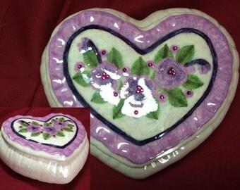 Ceramic hand-painted heart box