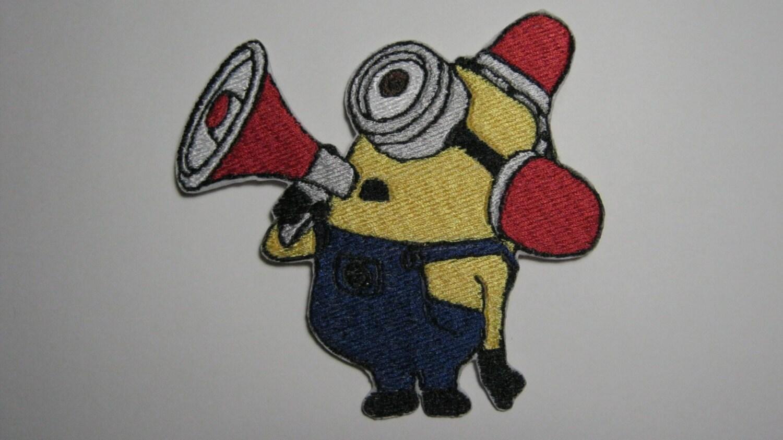 Despicable me minion petit pompier pompier bee do bee patch - Minion pompier ...
