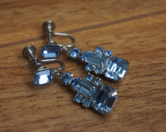 Jewelry Vintage  Earrings, Screw Back  Silver Aurora Borealis Blue CZ Rhinestones R-038