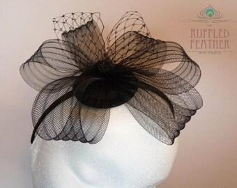 Black crinoline crin fascinator - Black races hat - Bow hairpiece -Bow hairband - headpiece - Russian birdcage veil - Vintage