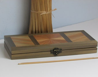 Chest for watch in straw marquetry