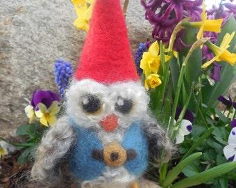 Garden Gnome Owl, Needle Felted Owl, Owl Ornament, OOAK WoolSculpture, Fairytale Owl, Woodland Decor, Storytelling Doll, Mythology