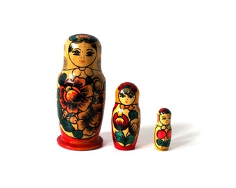 Vintage Wooden Russian Dolls Antique Old Soviet Russian Matryoshka 3 pieces Made USSR