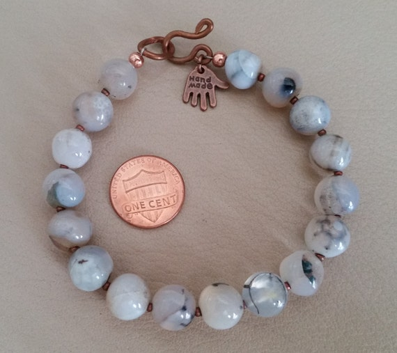 "WHITE AGATE BEAD Bracelet. For 7"" Wrist Size. With White & Gray Banded Agate, Dragon Vein Agate Beads. Copper Clasp. Big 10mm Beads."