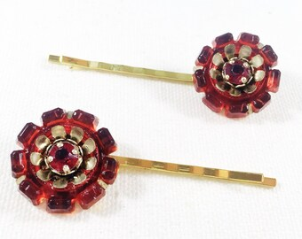 Red flower bobby pin, red daisy hair pin,  red flower hair pin,  red flower hair clip, flower bobby pin, red daisy bobby pin, red hair clip