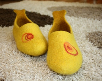 Slippers of wool, women's slippers, warm slippers, home slippers, handmade slippers